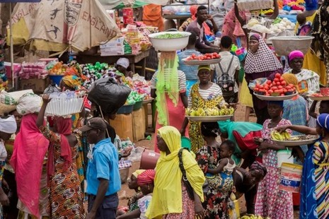 Picture of busy African market. Credit: FSD
