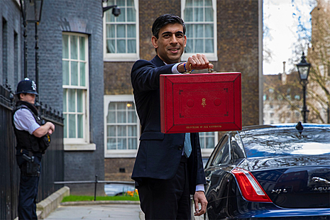 Rishi Sunak outside 11 Downing Street.