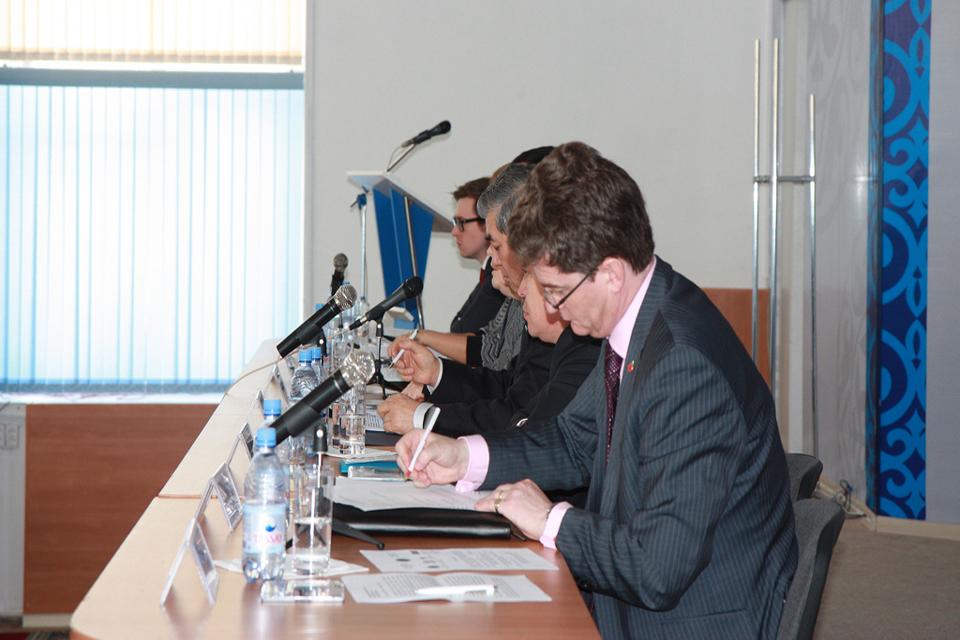 'Презентация докладов о ситуациях с правами человека 2012 в Шымкенте'