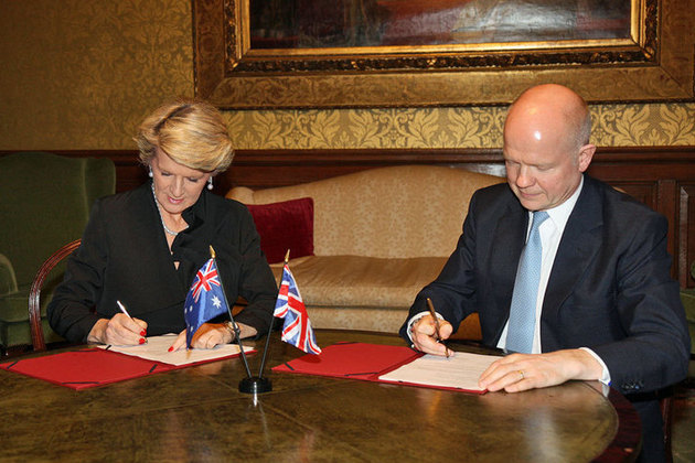 Australian Foreign Minister Julie Bishop and UK Foreign Secretary William Hague