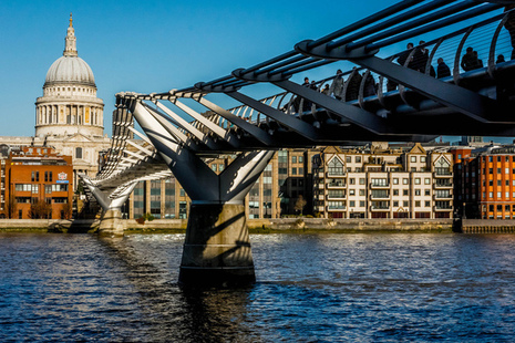 Millenium Bridge by Ben Cremin https://www.flickr.com/photos/bencremin/ creative commons license
