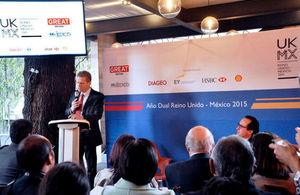Duncan Taylor en conferencia de prensa del año dual Reino Unido y México