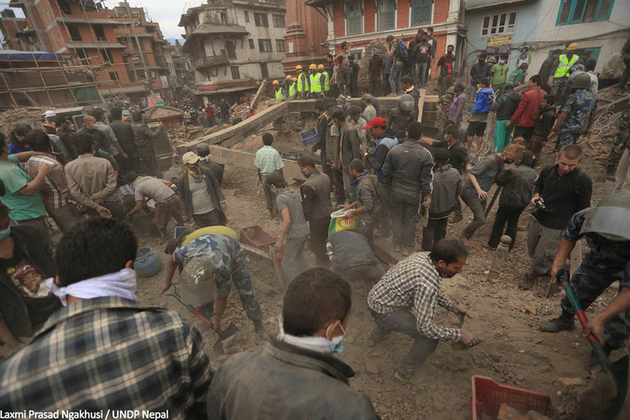 People clear rubble after the earthquake which struck Nepal on 25 April 2015. Picutre: Laxmi Prasad Ngakhusi / UNDP Nepal