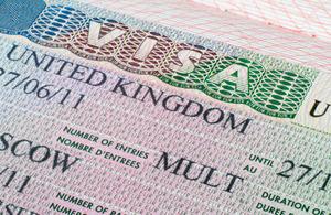 Read 'Beantragung von Visa für Großbritannien'