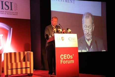 Alan Yarrow speaking at CEO Breakfast held in Colombo on 19 May, 2015.
