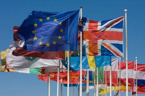 EU flags courtesy of www.istockphoto.com.