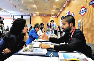 Delegación de 15 universidades británicas en feria estudiantil