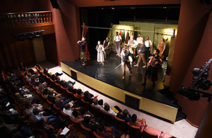 Globe Theatre de Shakespeare em Luanda