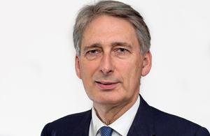 ハモンド外務大臣の訪日で安全保障を強化