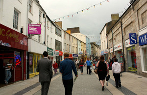 Bangor High Street (credit: Nina Jean/CC BY-ND 2.0)