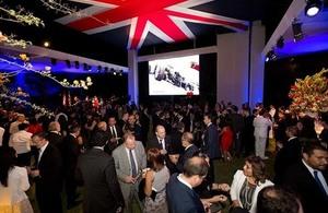 Celebración de la Embajada Británica en Lima por los 90 años de la Reina Elizabeth II