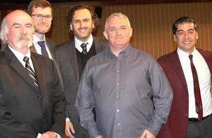 Patrick Flynn, Ed Day, Rodrigo Portilla, Kieran Lynch y Mariano Montenegro