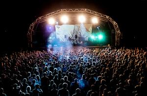 Enjoy Benicassim festival 2016 and be #festivalaware!