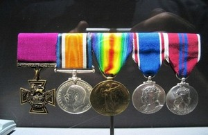 Victoria cross medal set from WW1