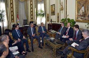 المبعوث التجاري ورئيس وكالة تمويل الصادرات يجتمعون مع رئيس الوزراء المصري