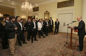34 jóvenes argentinos estudiarán su posgrado en el Reino Unido con la Beca Chevening