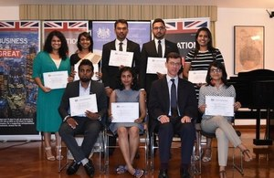 British High Commissioner James Dauris with eight Chevening scholars selected from Sri Lankan for the 2017/2018 academic cycle.