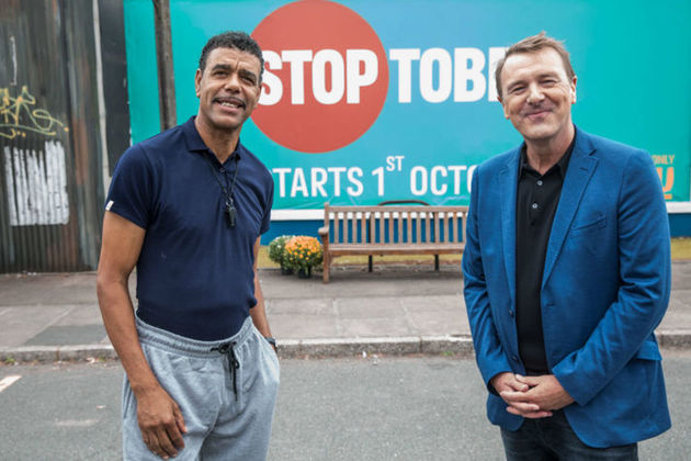 Chris Kamara and Phil Tufnell promoting Stoptober 2016.