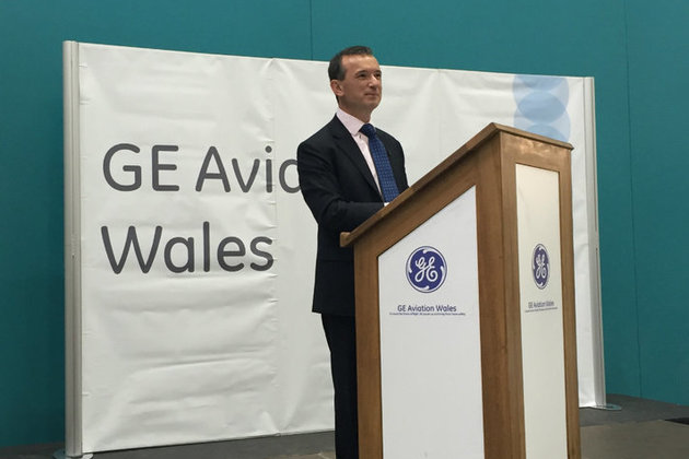 Alun Cairns speaking at GE Aviation