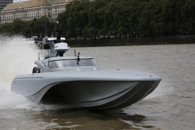 Bladerunner prototype testing on the Thames
