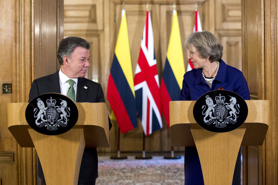 Prime Minister Theresa May giving a statement alongside Colombian President Juan Manuel Santos.