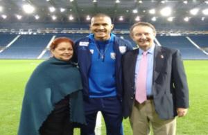 El Embajador John Saville y la Embajadora venezolana en el Reino Unido, Rocío Maneiro, se reunieron con el futbolista venezolano Salomón Rondón, quien juega para el West Bromwich Albion de la Premier League.
