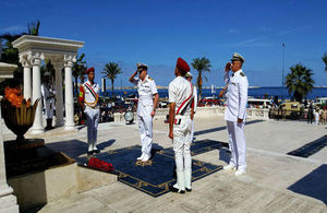 HMS Ocean Captain Pedre lays wreath at the tomb of the unknown sailor in Alexandria
