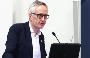 Sir Michael Barber asesoró la Unidad de Cumplimiento de la PCM para brindar resultados tangibles