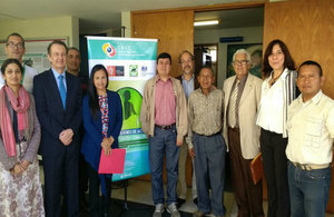 The British Ambassador to Venezuela, John Saville, reaffirmed the UK's commitment to the environment during a workshop on the design of an action plan for climate change.