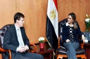 السفير البريطاني ووزيرة الاستثمار والتعاون الدولي المصرية