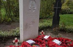 Pte Thompson's headstone, Crown Copyright, All rights reserved