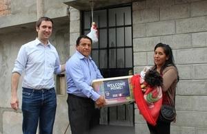 Embajada Británica presenta un innovador modelo de vivienda sostenible para familias de bajos ingresos