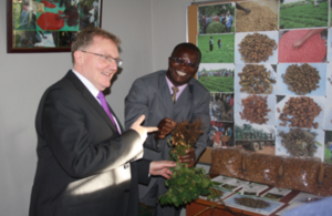 Secretary of State for Scotland David Mundell appreciating local produce