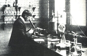 Government Chemist at work in 1902