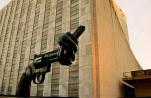 UN twisted gun