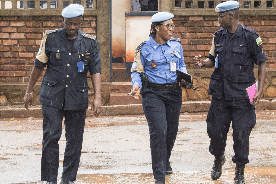 MINUSCA Police Officers Visit Police Station in Bangui (UN Photo)
