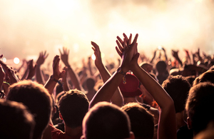 music crowd image