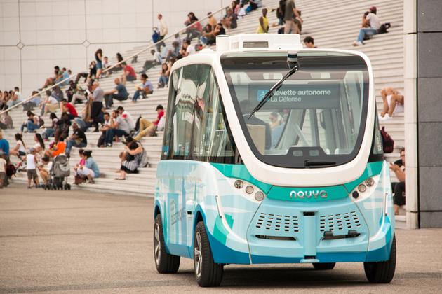 Autonomous and electric shuttle shown on the esplanade of La Défense, Paris