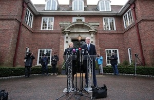 Secretary of State Bradley and Irish Foreign Affairs Minister, Simon Coveney TD, at a press conference at Stormont House