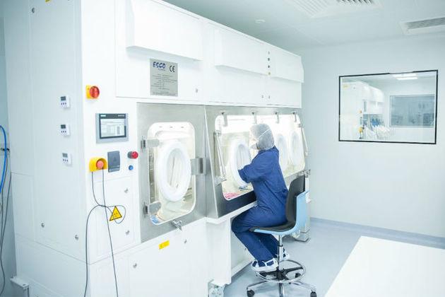 MeiraGTx colleague in the company's facility.