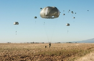 Photo of paratroopers