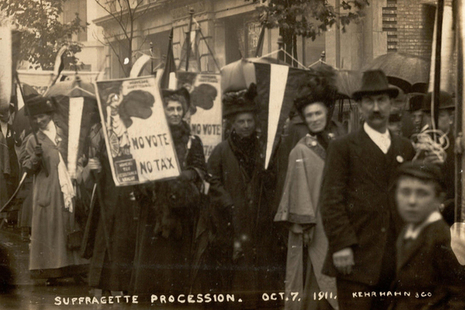 Suffragettes campaigning in 1911