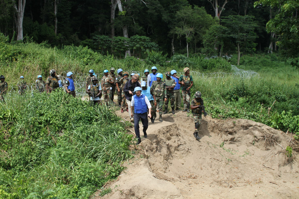 Jean-Pierre Lacroix (front left), Under-Secretary-General for Peacekeeping Operations, visits the Military Base on the banks of the Semuliki river in northeastern Congo. (UN Photo)