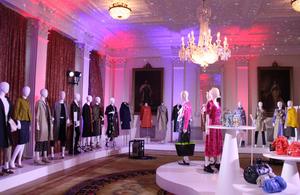英国ウィメンズファッション:大使館初のVR展覧会を渋谷で開催