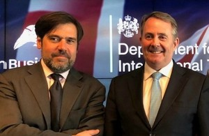 Picture of Robert Cox, Global Editor, Reuters and Dr Liam Fox