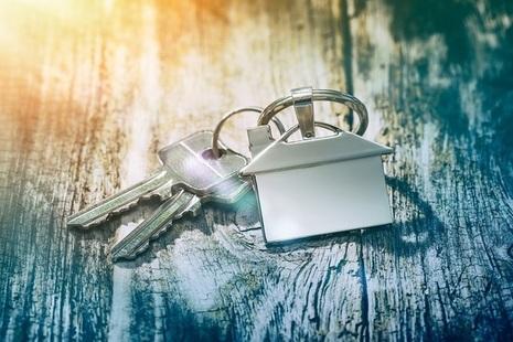 Keys and house