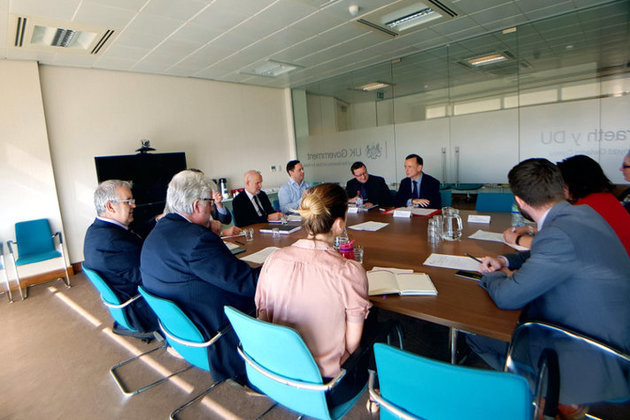 Welsh Secretary Alun Cairns chairs meeting with business and industry leaders in Wales