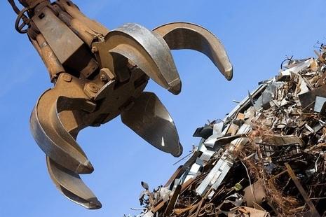 Scrap metal with mechanical grabber