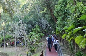 FCO Minister Mark Field enjoys jungle walk with Minister of Culture, Youth and Sports and engages with young Bruneians in Tasek Lama