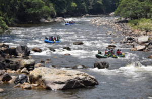 Former FARC combatants leading rafting expeditions with an eco-tourist project and the Colombian Mission to the UN as part of their reintegration process. (UN Photo)